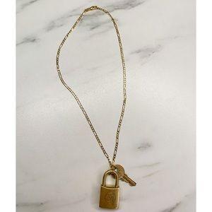 New Design ⭐️ Louis Vuitton Padlock necklace